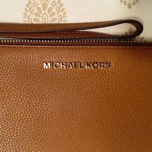 Michael Kors genuine leather wristlet, NWOT